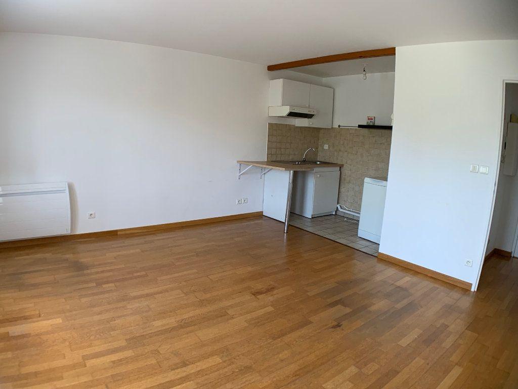 Appartement à louer 2 38m2 à Montigny-le-Bretonneux vignette-4