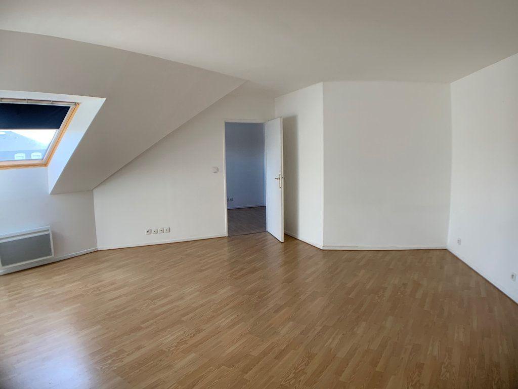 Appartement à louer 2 50.42m2 à Voisins-le-Bretonneux vignette-2