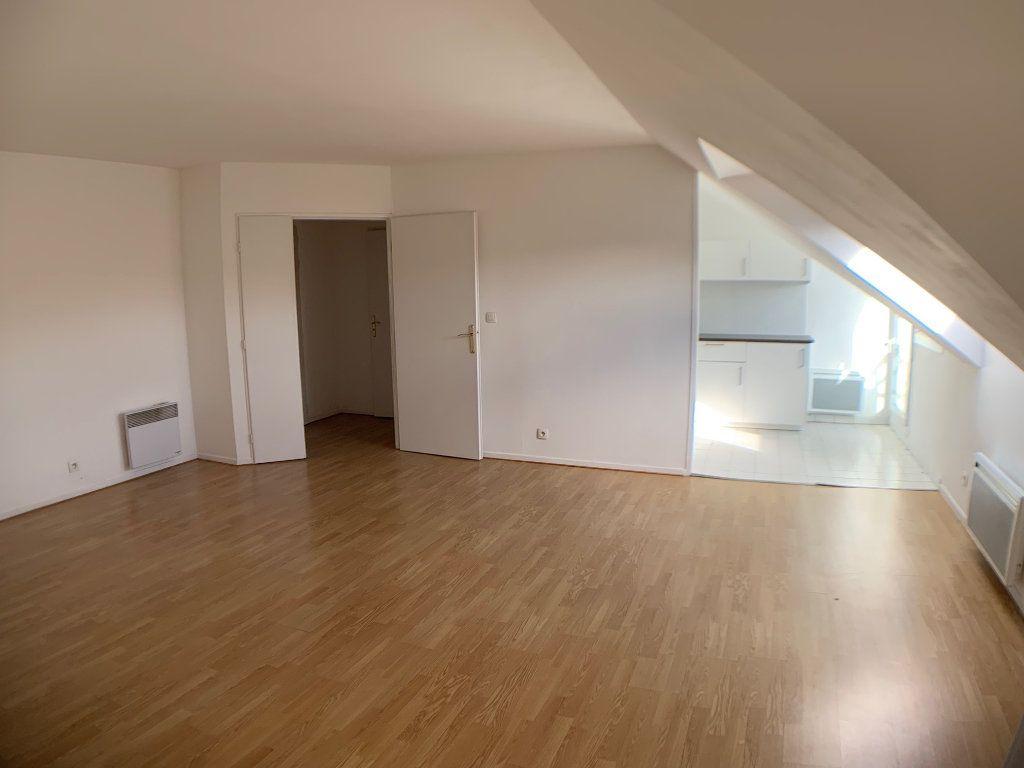Appartement à louer 2 50.42m2 à Voisins-le-Bretonneux vignette-3