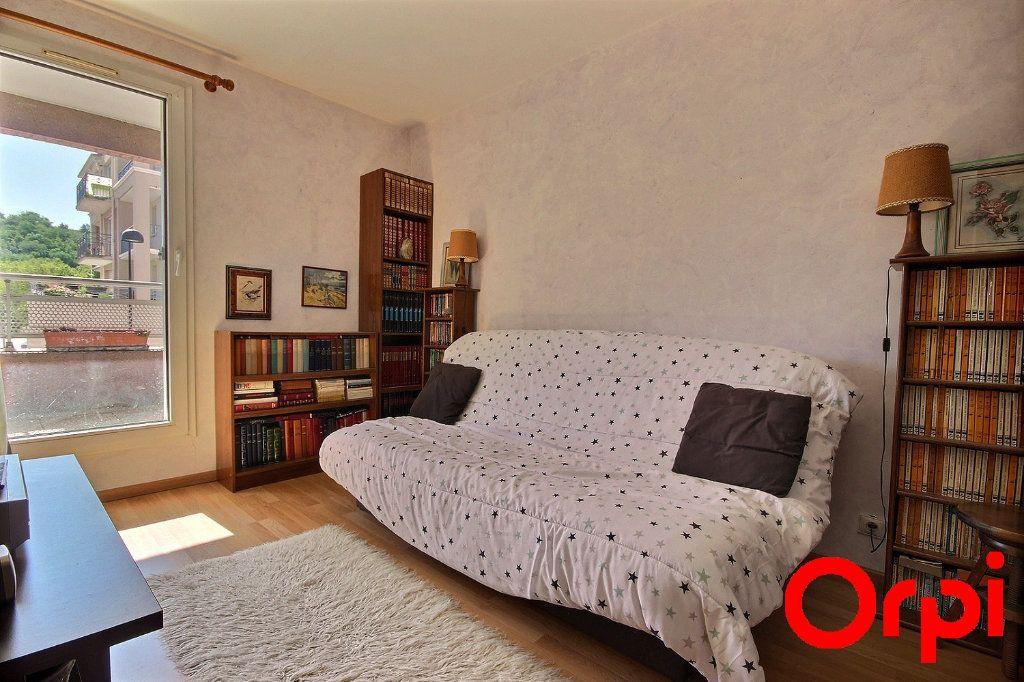 Appartement à vendre 4 77.3m2 à Élancourt vignette-3