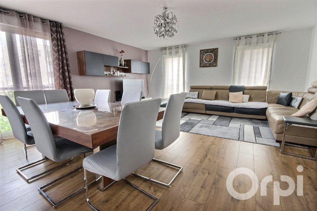 Appartement à vendre 5 95.85m2 à Trappes vignette-1