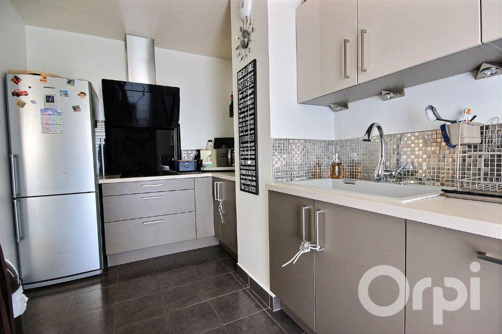 Appartement à vendre 5 95.85m2 à Trappes vignette-2
