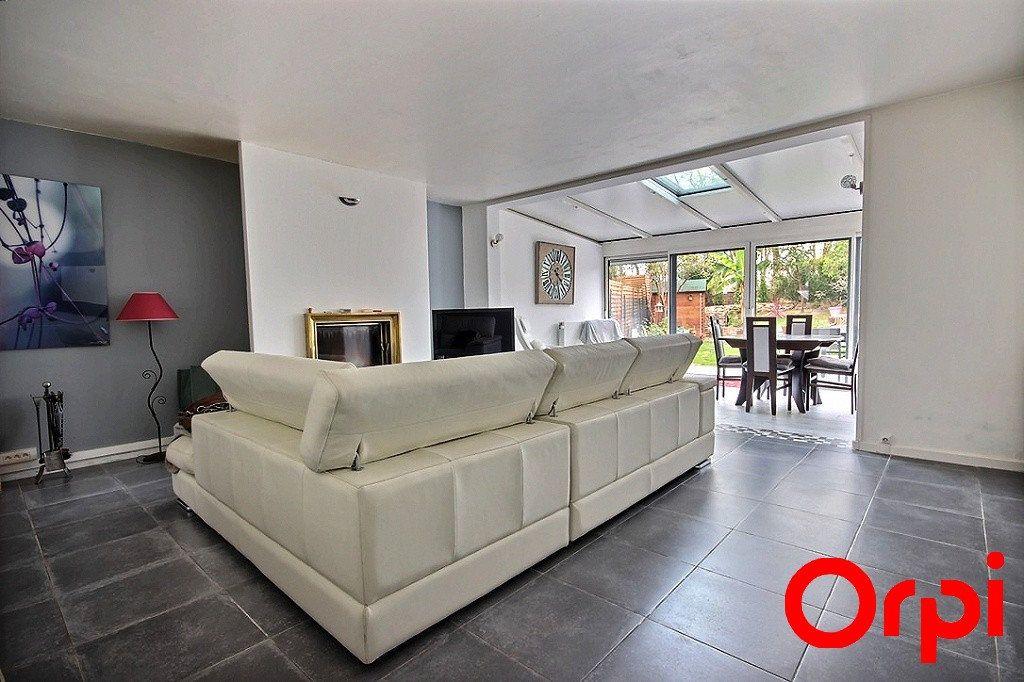 Maison à vendre 6 119m2 à Élancourt vignette-1