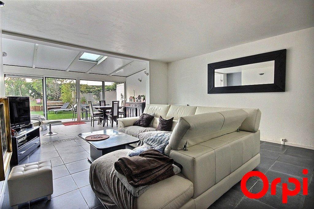Maison à vendre 6 119m2 à Élancourt vignette-2