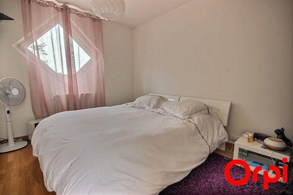 Maison à vendre 6 119m2 à Élancourt vignette-3