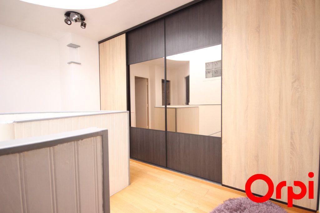 Maison à vendre 6 119m2 à Élancourt vignette-6