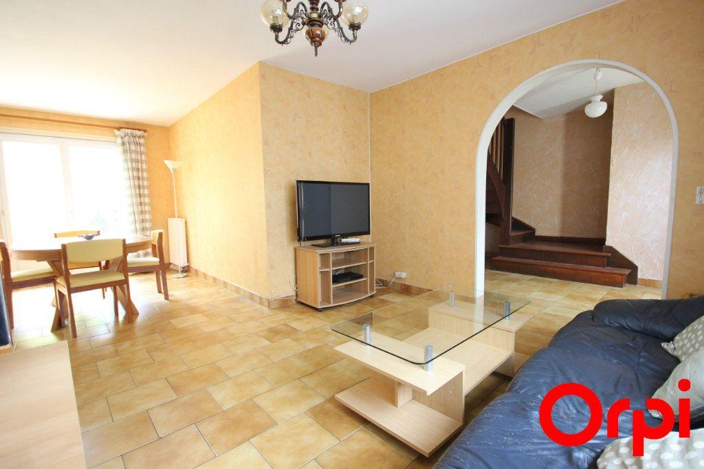 Maison à vendre 5 103.7m2 à Maurepas vignette-1