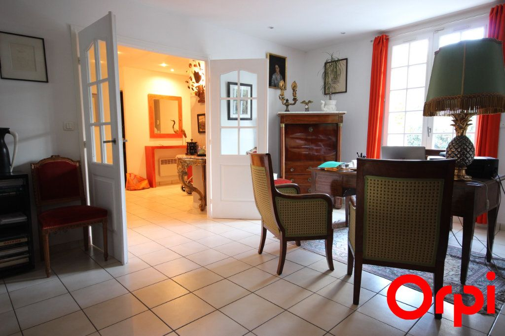 Maison à vendre 11 277m2 à Saint-Rémy-l'Honoré vignette-4