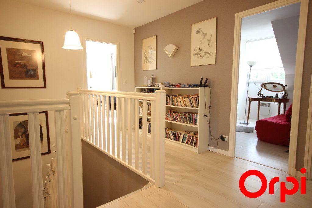 Maison à vendre 11 277m2 à Saint-Rémy-l'Honoré vignette-6