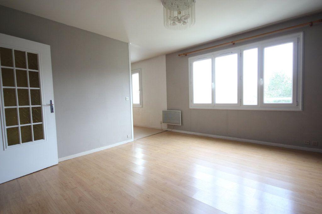 Appartement à vendre 3 63.8m2 à Trappes vignette-4