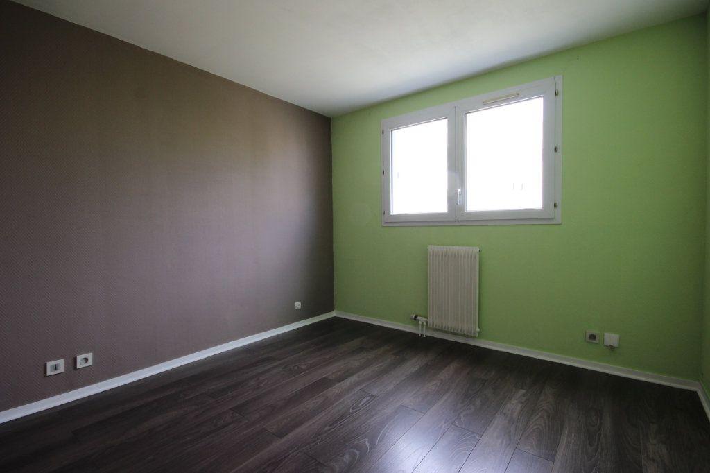 Appartement à vendre 3 64m2 à Élancourt vignette-5