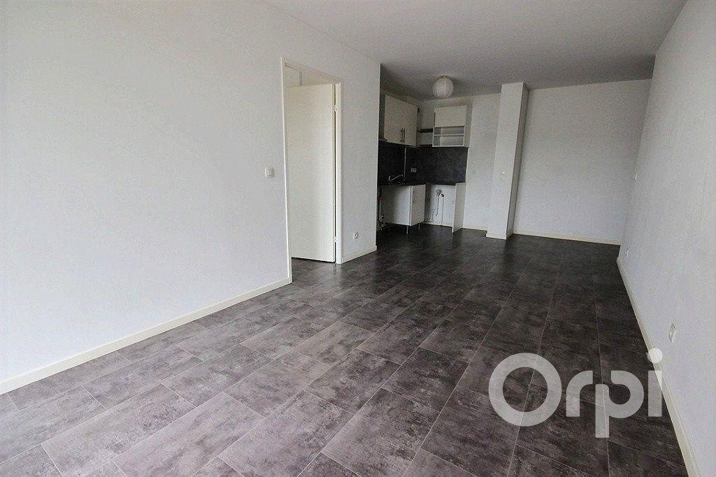 Appartement à louer 2 43m2 à Trappes vignette-3