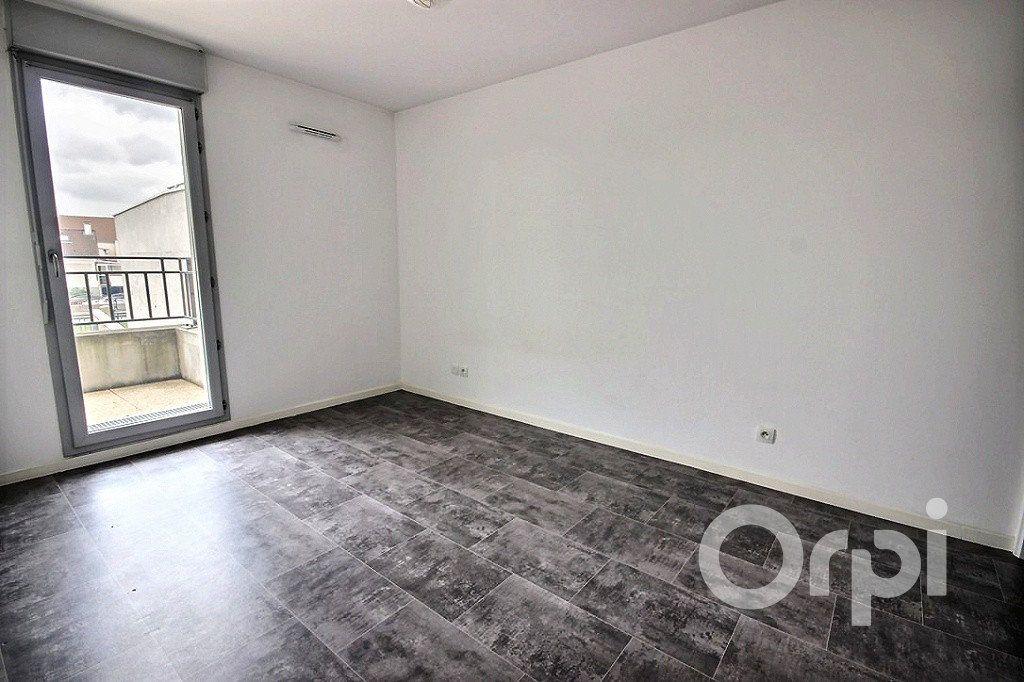 Appartement à louer 2 43m2 à Trappes vignette-4