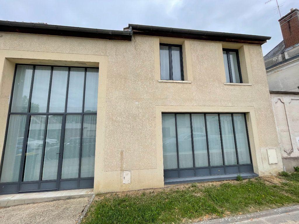 Maison à louer 5 175m2 à Jouars-Pontchartrain vignette-1