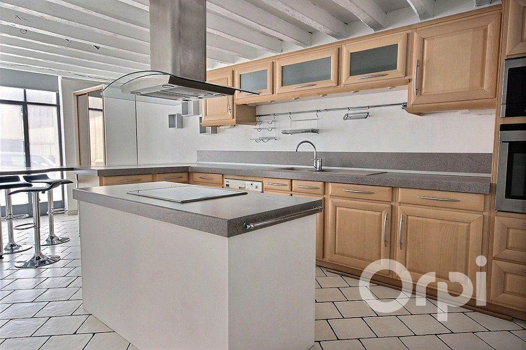 Maison à louer 5 175m2 à Jouars-Pontchartrain vignette-5