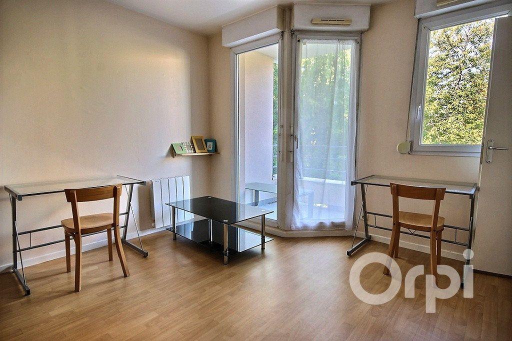 Appartement à louer 1 23.96m2 à Élancourt vignette-1