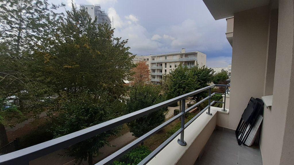 Appartement à louer 1 23.96m2 à Élancourt vignette-5