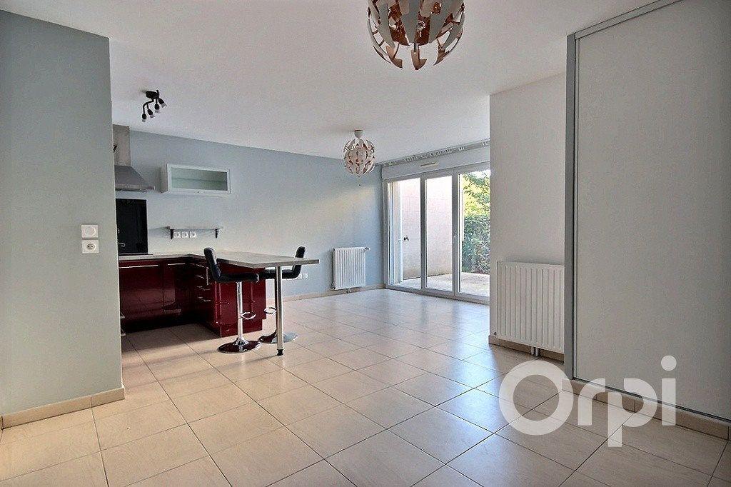 Appartement à louer 1 38.15m2 à Élancourt vignette-1