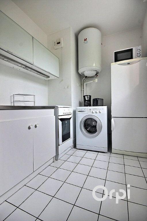 Appartement à louer 1 27.04m2 à Élancourt vignette-5