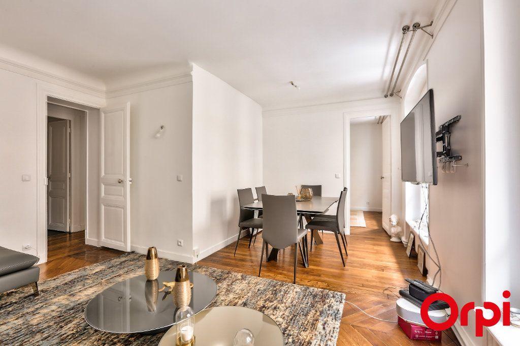 Appartement à vendre 3 66.64m2 à Paris 16 vignette-2