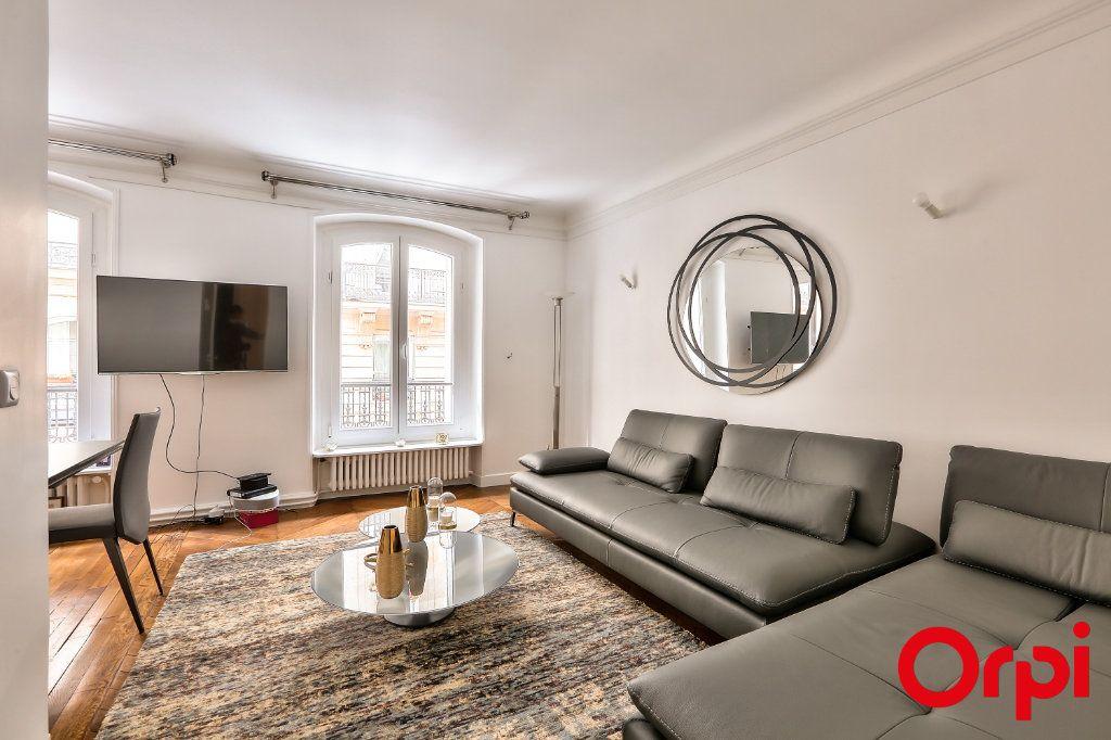 Appartement à vendre 3 66.64m2 à Paris 16 vignette-3