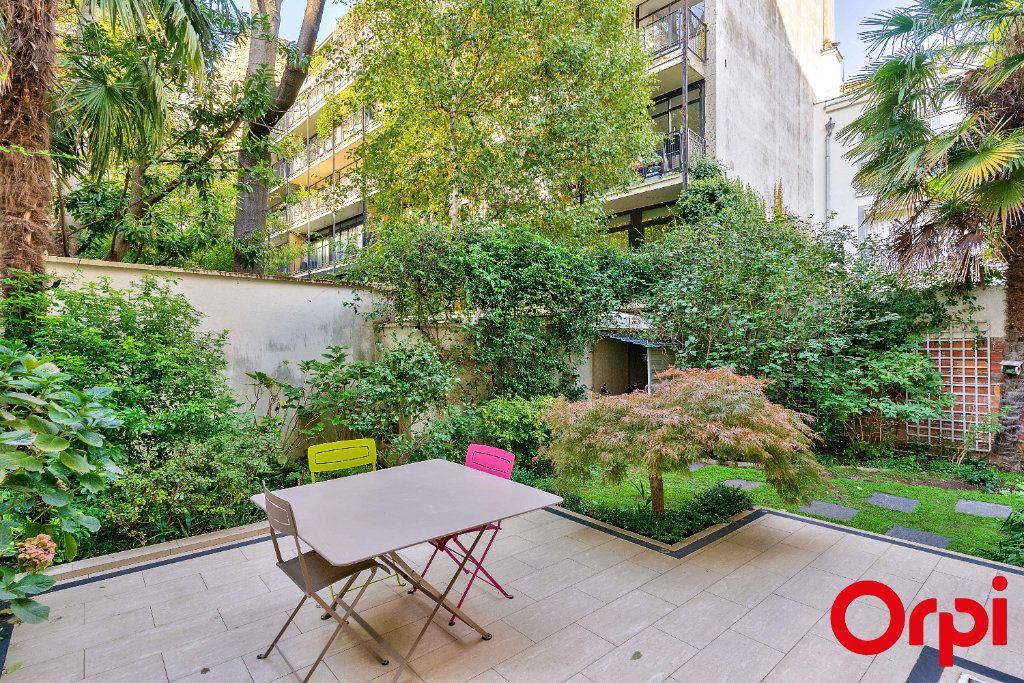 Maison à vendre 8 190.41m2 à Paris 16 vignette-2