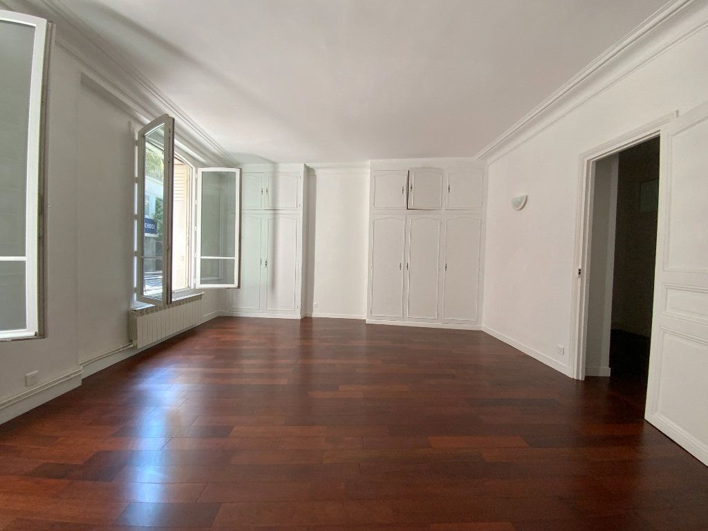 Appartement à louer 3 55.64m2 à Paris 16 vignette-2