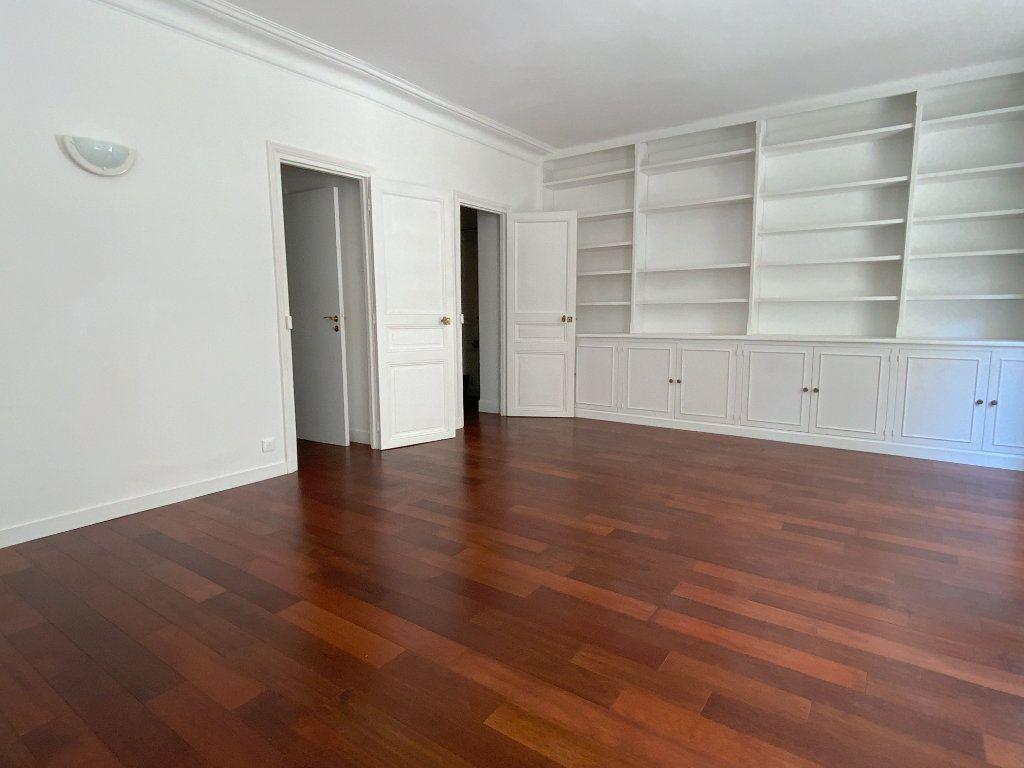Appartement à louer 3 55.64m2 à Paris 16 vignette-4
