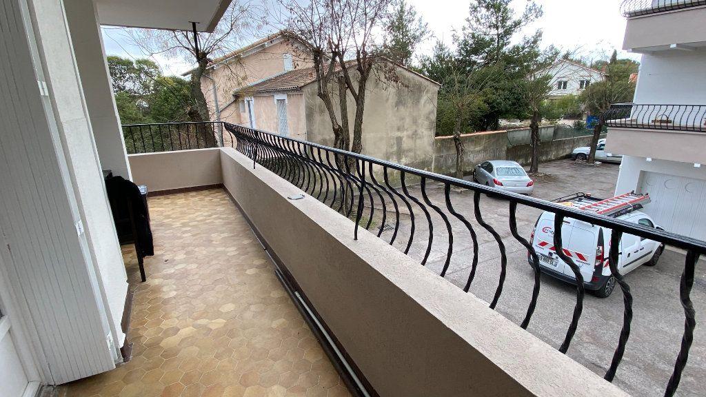 Appartement à louer 3 68.33m2 à Montpellier vignette-2