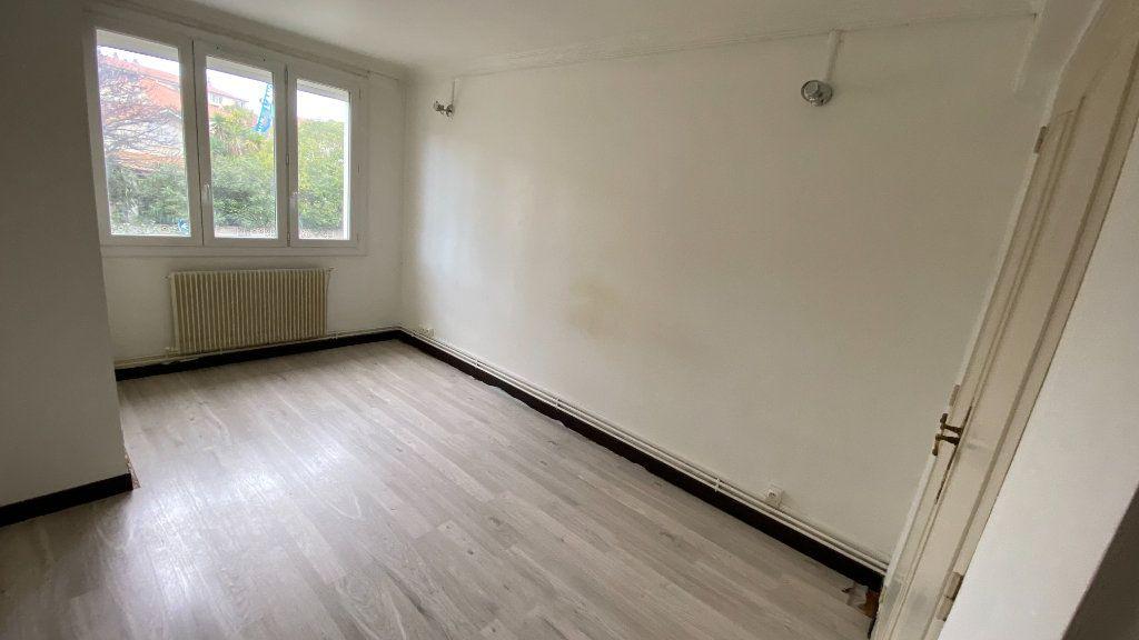 Appartement à louer 3 68.33m2 à Montpellier vignette-6