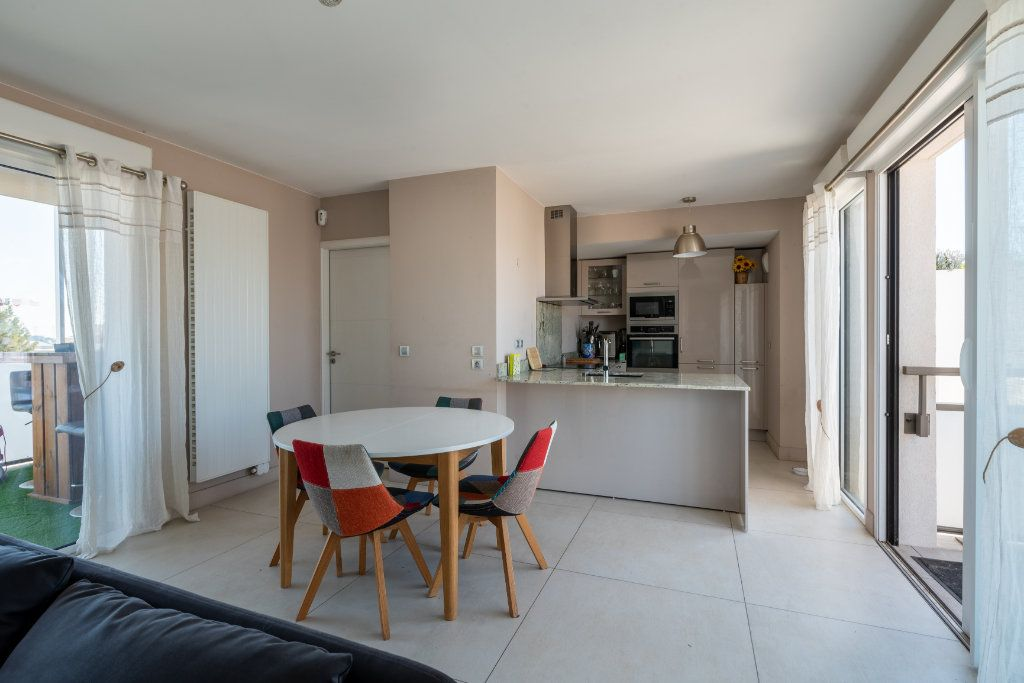 Appartement à vendre 4 95m2 à Saint-Jean-de-Védas vignette-2