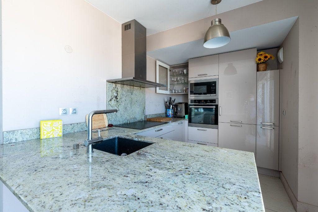 Appartement à vendre 4 95m2 à Saint-Jean-de-Védas vignette-4