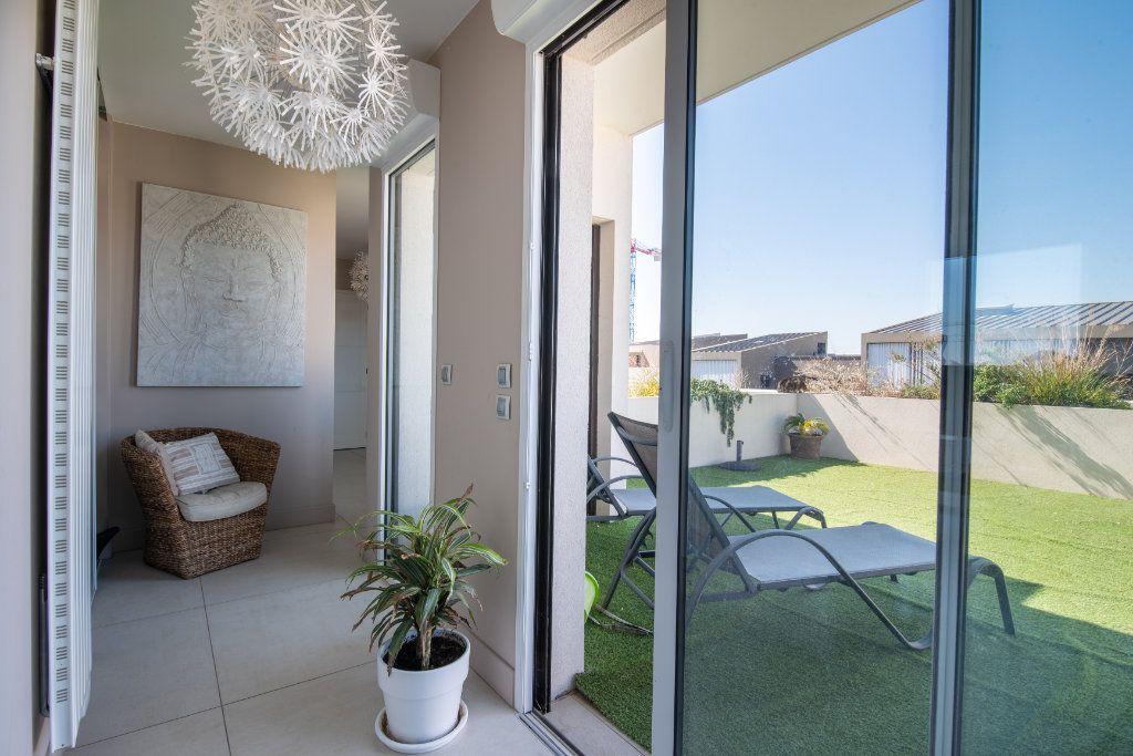 Appartement à vendre 4 95m2 à Saint-Jean-de-Védas vignette-18