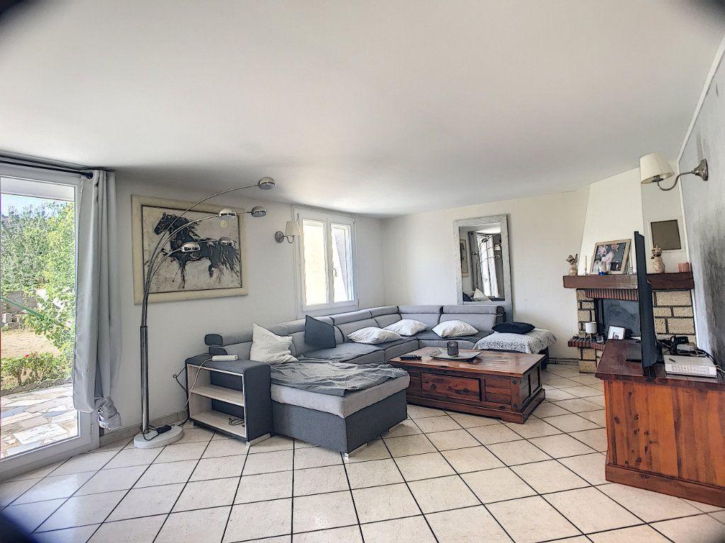 Maison à vendre 5 113m2 à Trappes vignette-1
