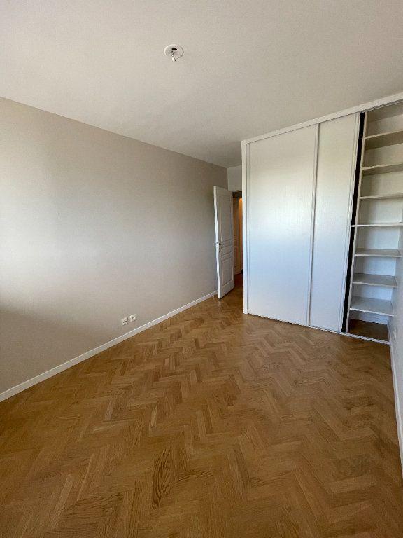Appartement à louer 4 81.57m2 à Guyancourt vignette-7