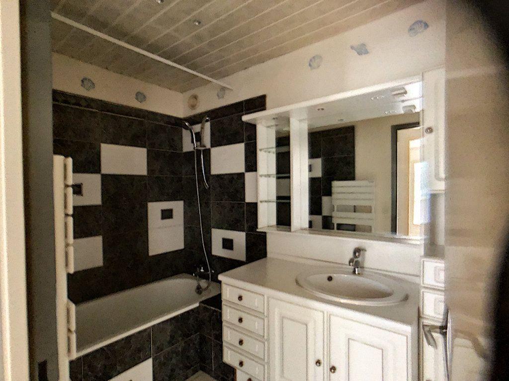 Appartement à louer 3 75.39m2 à Montigny-le-Bretonneux vignette-7