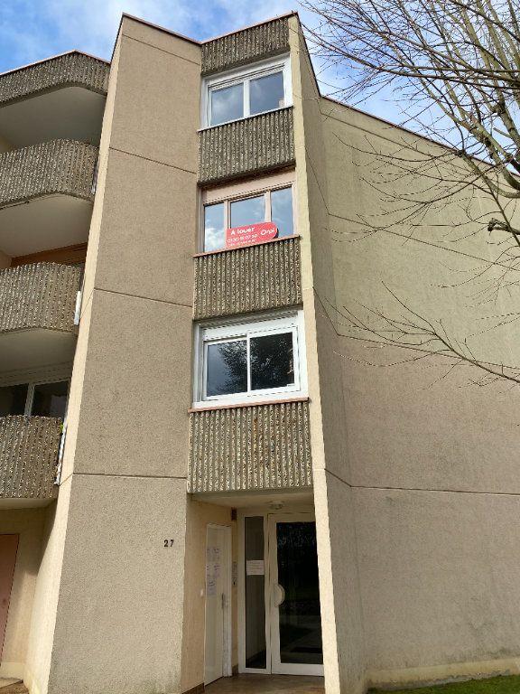 Appartement à louer 3 75.39m2 à Montigny-le-Bretonneux vignette-8