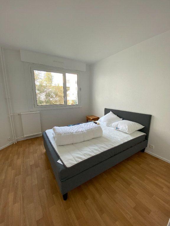Appartement à louer 2 54.5m2 à Guyancourt vignette-5