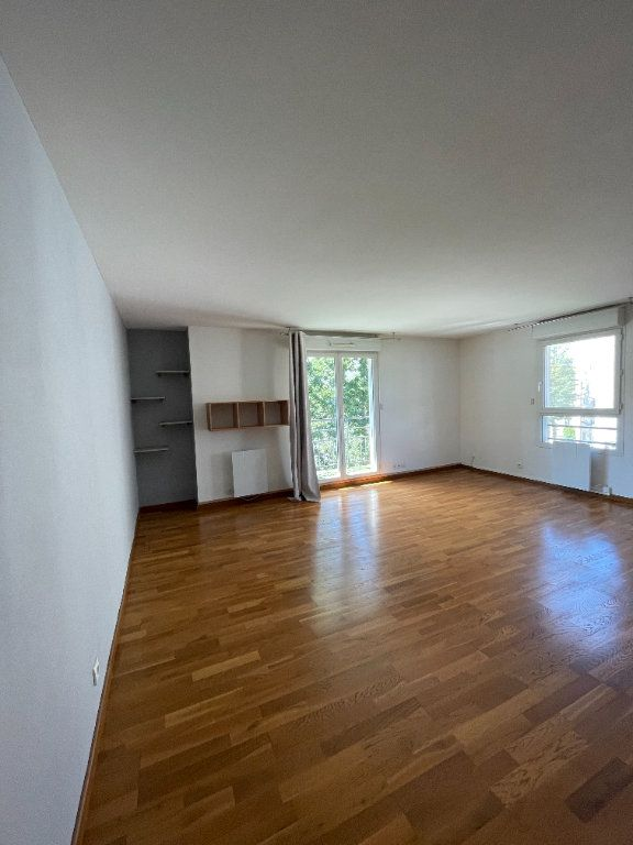 Appartement à louer 3 64.05m2 à Guyancourt vignette-1