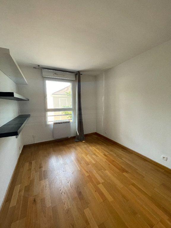 Appartement à louer 3 64.05m2 à Guyancourt vignette-4