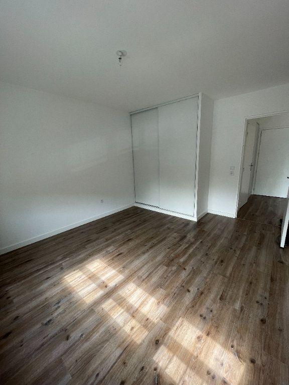 Appartement à louer 2 42.95m2 à Guyancourt vignette-4