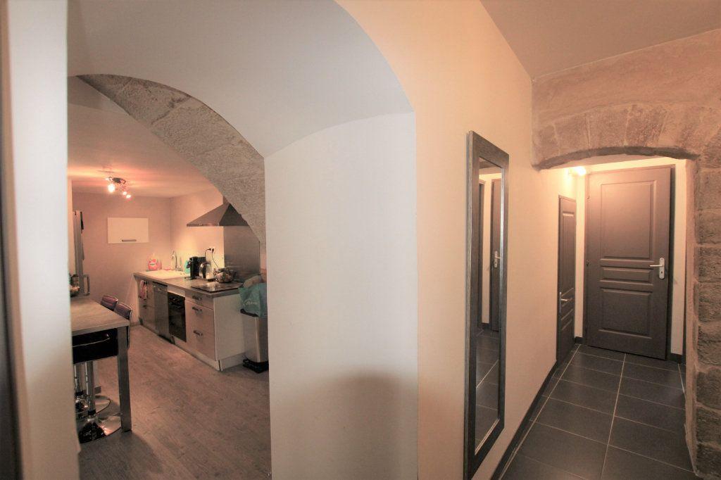 Appartement à louer 3 70.5m2 à Sorgues vignette-2