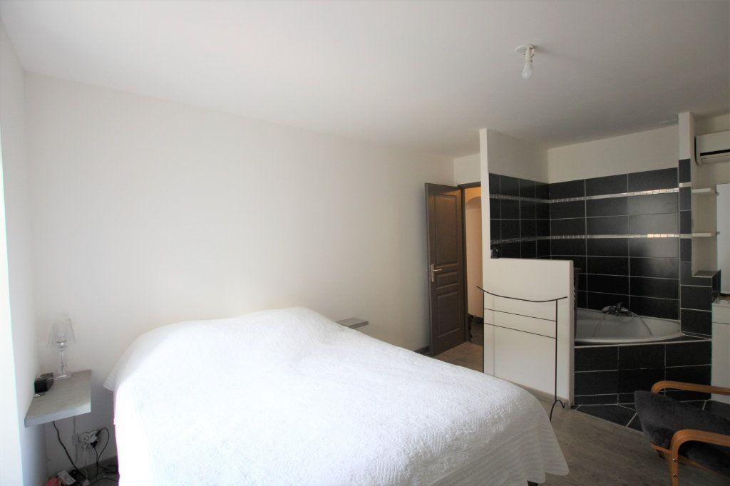Appartement à louer 3 70.5m2 à Sorgues vignette-3