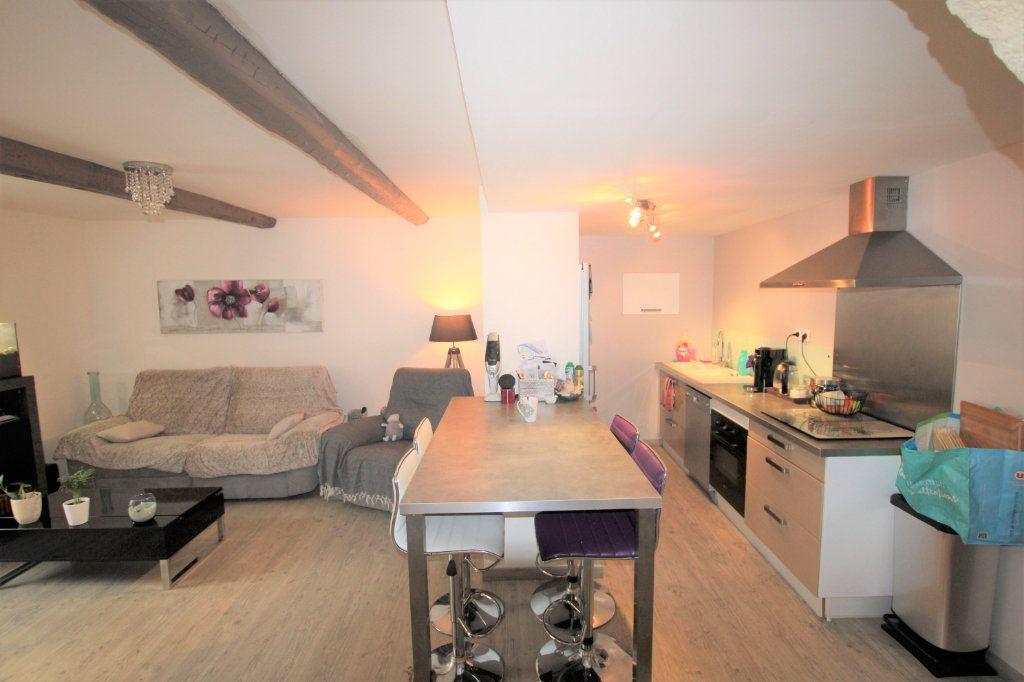 Appartement à louer 3 70.5m2 à Sorgues vignette-4