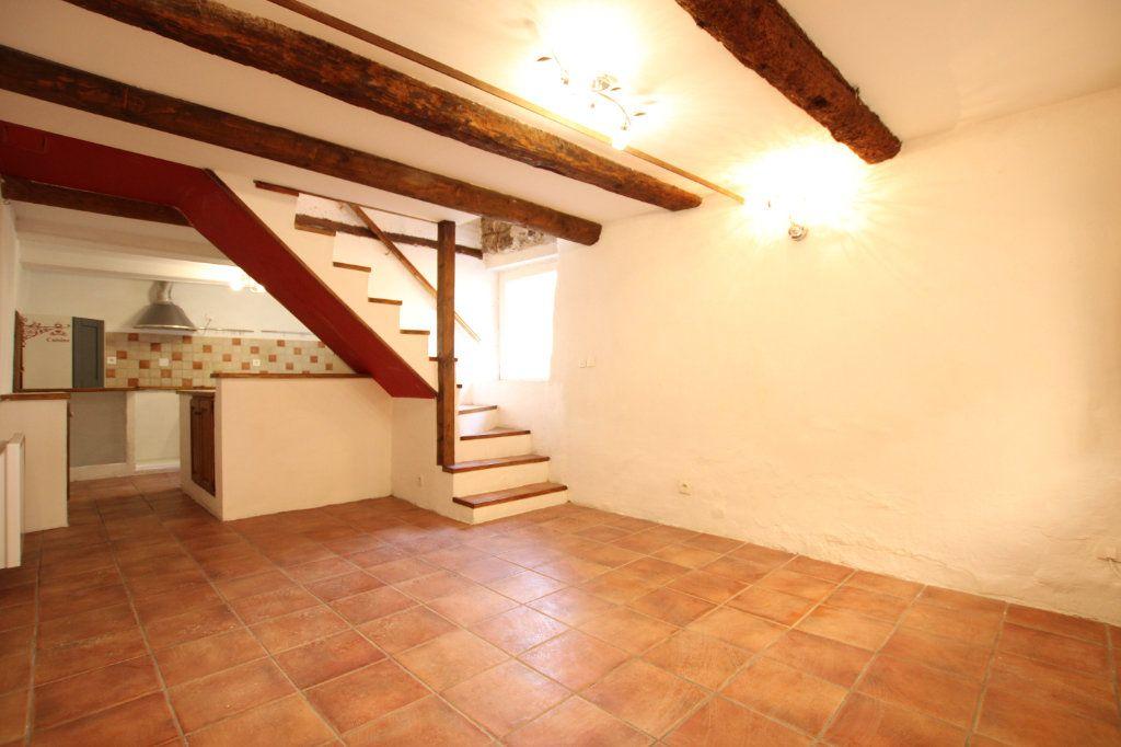 Maison à vendre 6 148m2 à Entraigues-sur-la-Sorgue vignette-1