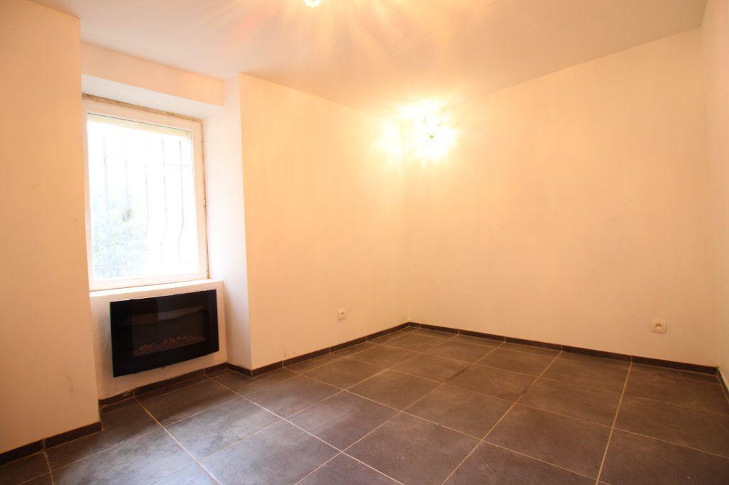 Maison à vendre 6 148m2 à Entraigues-sur-la-Sorgue vignette-5
