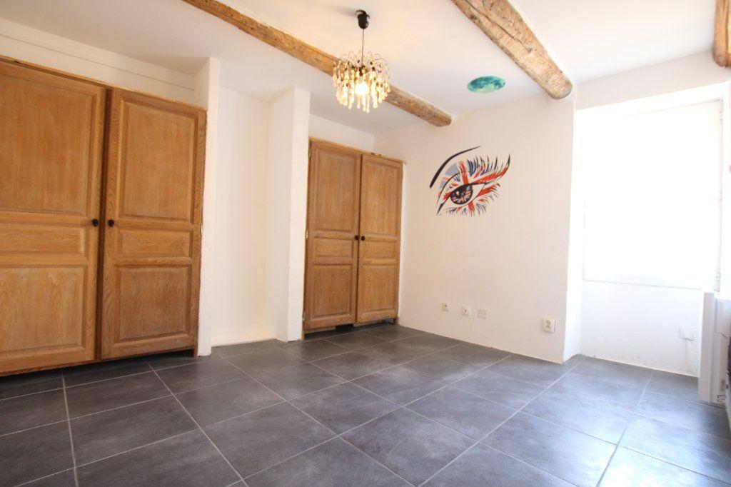 Maison à vendre 6 148m2 à Entraigues-sur-la-Sorgue vignette-10