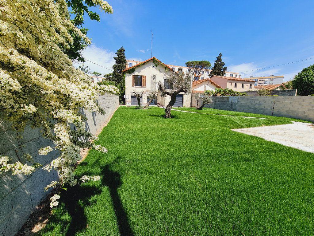 Maison à vendre 5 150m2 à Montfavet - Avignon vignette-1
