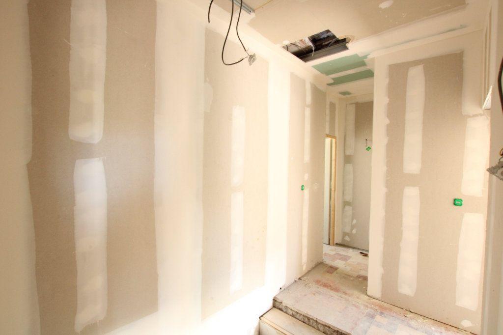 Maison à vendre 5 150m2 à Montfavet - Avignon vignette-3