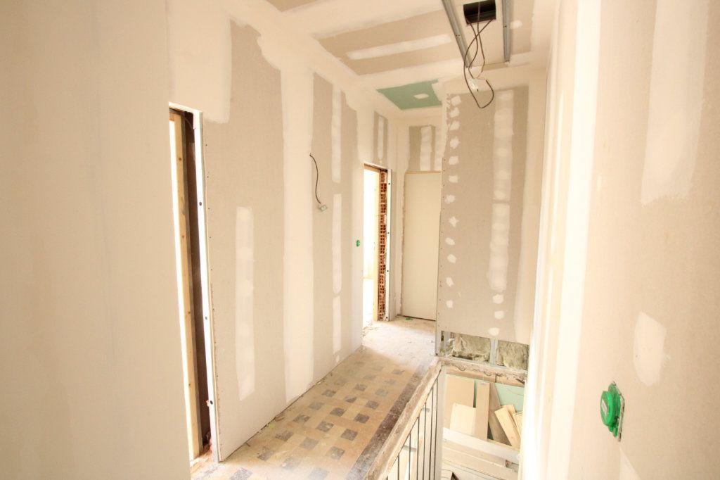 Maison à vendre 5 150m2 à Montfavet - Avignon vignette-6